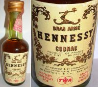 Hennessy-BRAS ARME -1-16PINT.80PROOF -TWA-1642